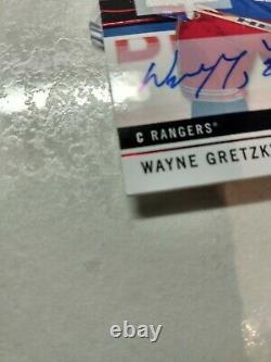 18 19 Upper Deck SP Game Used SPGU Jersey Auto Red Wayne Gretzky SSP No. 100