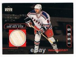 1998-99 98-99 Upper Deck UD Gold Reserve Game-Used Stick #WG Wayne Gretzky /200