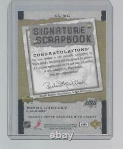 2006/07 Upper Deck Bee Hive Wayne Gretzky Signature Scrapbook Auto ON CARD