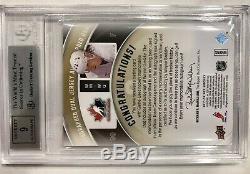 2011-12 Upper Deck SPx Wayne Gretzky Winning Materials Auto Canada RARE /15 BGS