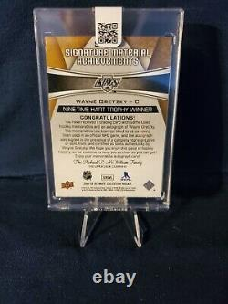 2015-16 Upper Deck Ultimate Collection Wayne Gretzky Signature Material 9/10