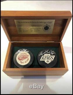 Vintage Wayne Gretzky & Gordie Howe signed Pucks Upper Deck