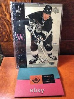 Wayne Gretzky 95-96 Upper Deck Freeze Frame #F2 Autograph 26/500 Jumbo card