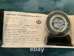 Wayne Gretzky Autographed Puck New York Rangers Upper Deck Authentification