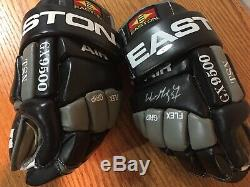 Wayne Gretzky Signed & Autograph Easton Gloves with Upper Deck Authentic