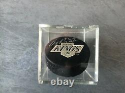 Wayne Gretzky Signed Upper Deck Authenticated Uda Official NHL Hockey Puck Kings