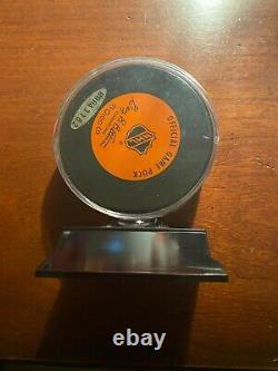Wayne Gretzky Upper Deck Authenticated Autographed Puck