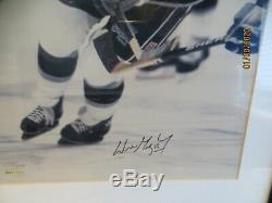 Wayne Gretzky Upper Deck Autographed Framed 16x20 Photograph